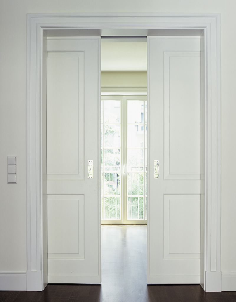sch ne t ren. Black Bedroom Furniture Sets. Home Design Ideas